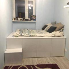 Łóżko z szafek